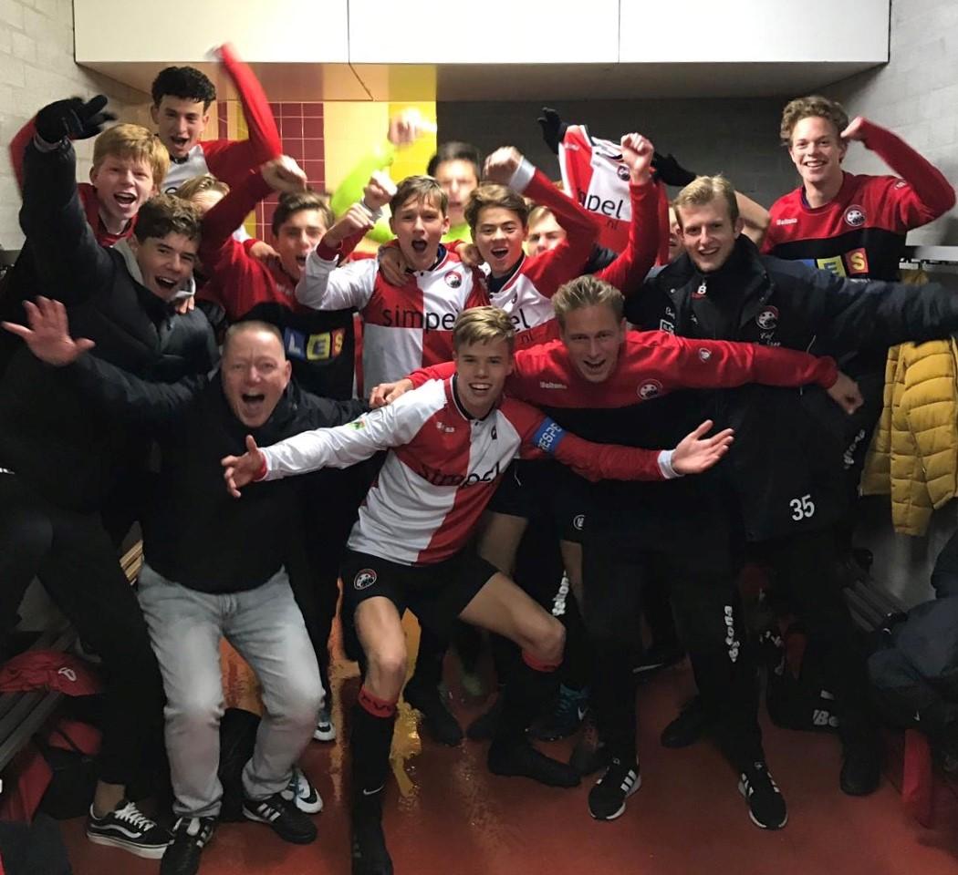 JO17-1 wint bekerstrijd tegen vv de Meern na penalty's