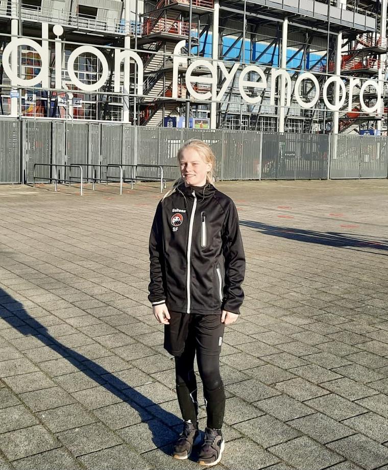 Sophie (JO15) op stage bij Feyenoord!